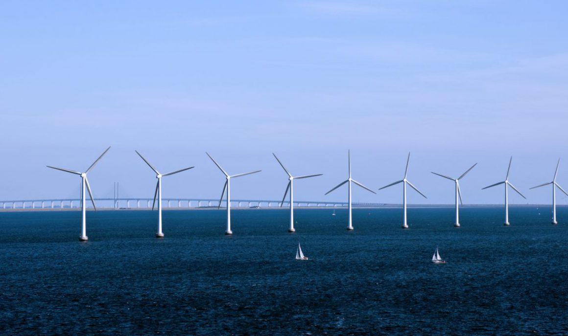 cropped-cropped-dk-84_-_kobenhavn_-_energy_-_copenhagen_-_denmark_-_wind_farm_4890897324-1.jpg